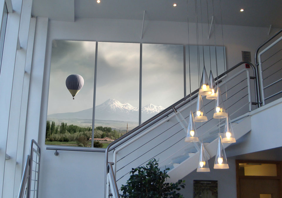 Exhibition Wall Coverings white with hot air balloon